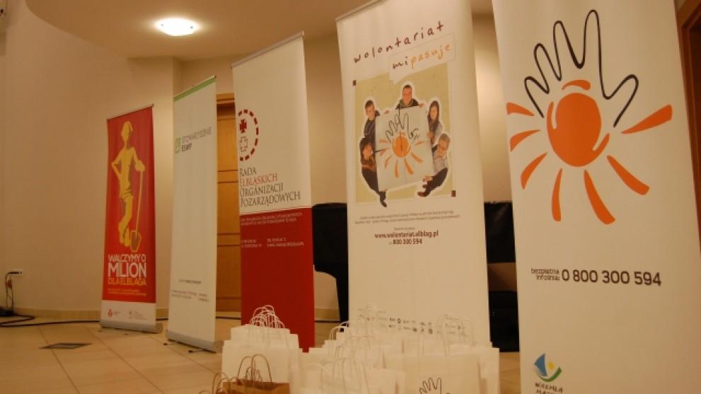 """""""777 Barw Wolontariatu"""" - Konferencja z okazji Międzynarodowego"""